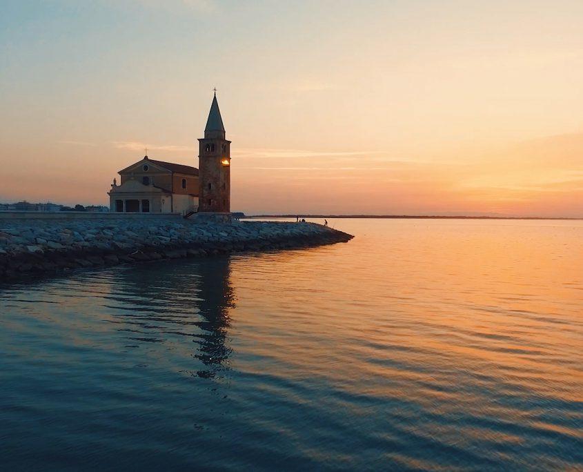 Spiaggia di Caorle: la Chiesetta della Madonnina