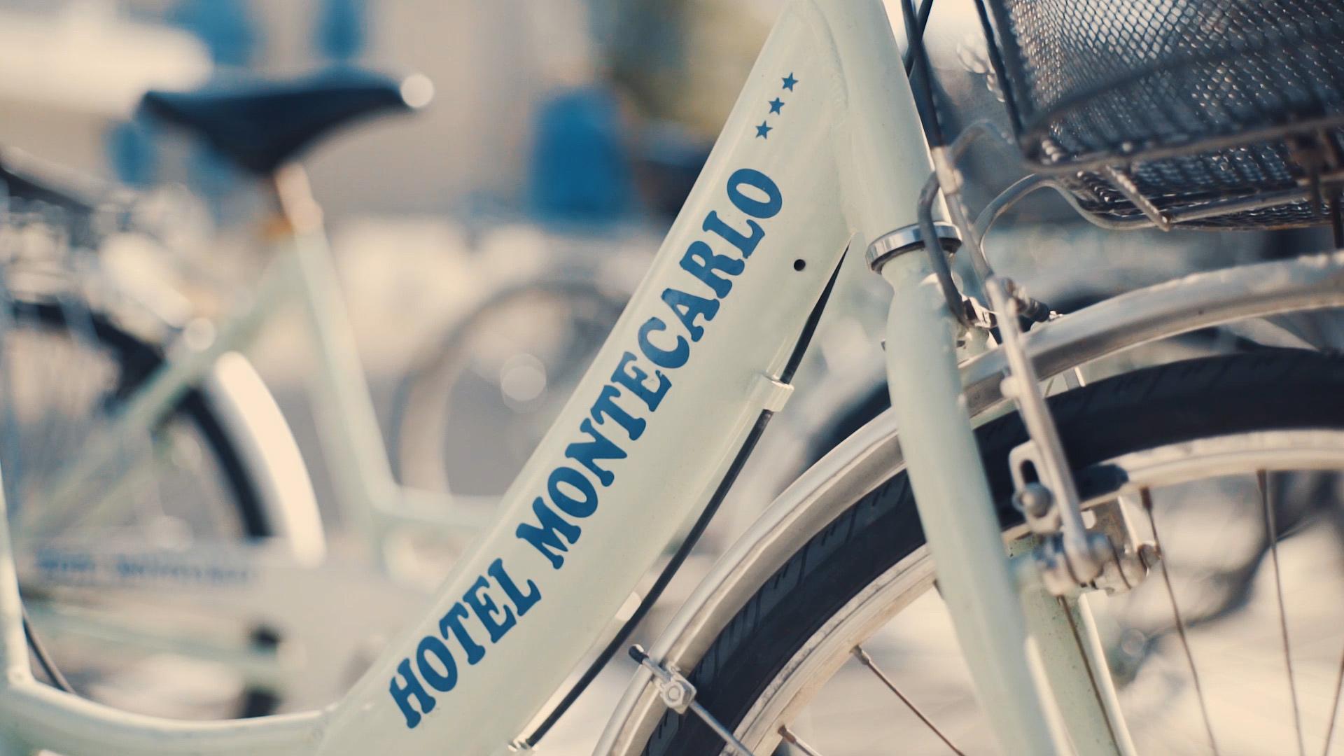 Hotel tre stelle frontemare a Caorle noleggio gratuito biciclette